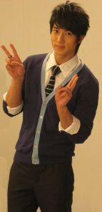 wu chun peace sign